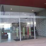 Двери и входные группы из стекла