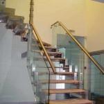 Лестничные ступени и ограждения из стекла 36