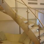 Лестничные ступени и ограждения из стекла 42