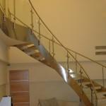 Лестничные ступени и ограждения из стекла 43