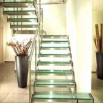Лестничные ступени и ограждения из стекла 48