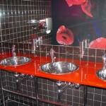 Мебель и раковины из стекла для ванной комнаты 19