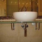 Мебель и раковины из стекла для ванной комнаты 31
