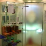 Мебель и раковины из стекла для ванной комнаты 32